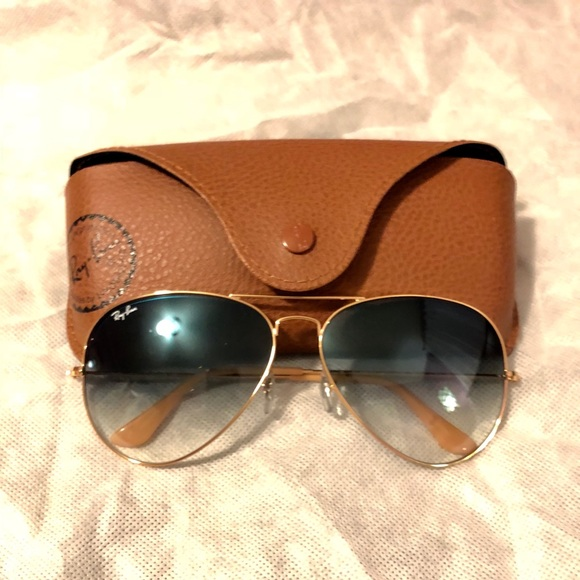 bca3794c90 Ray-Ban RB3025 Large Aviator. M 5b56a1a81e2d2db950e844ce. Other Accessories  ...